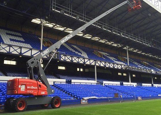 استفاده از بالابر در استادیوم ها و سالن های ورزشی
